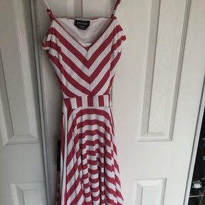 Bebe xxs pink and white dress